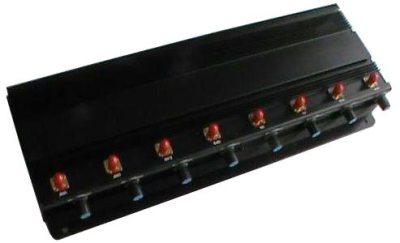 """В разобранном виде без антенн подавитель связи """"СТРАЖ X8 ПРО"""" обладает достаточно небольшими размерами и удобством в переноске"""