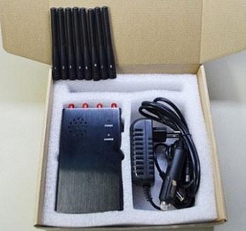 """Подавитель связи """"Страж Мини 4G"""" поставляется в упаковке с пенопластовыми ложементами для его составляющих"""