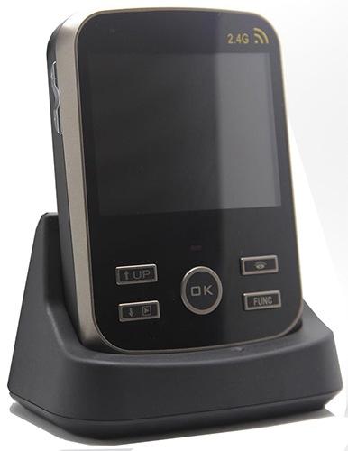 Монитор видеодомофона KIVOS Duos, установленный в док-станцию