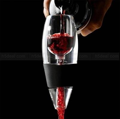Разливая вино по бокалам через стильный аэратор, Вы сможете удивить своих гостей!
