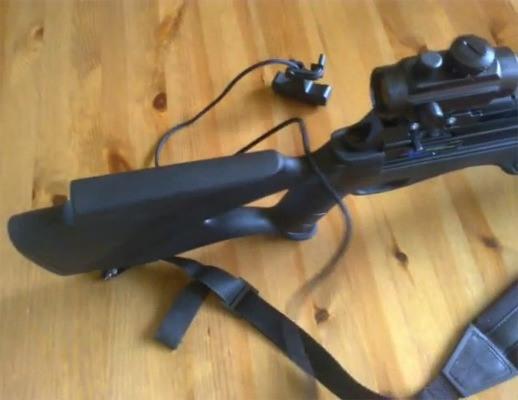 Особая конструкция приклада и рукояти позволяет надежно фиксировать оружие в руке, что в результате повышает точность выстрела