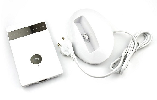 Система комплектуется удобным зарядным устройством, выполненным в виде подставки, включаемой в сеть