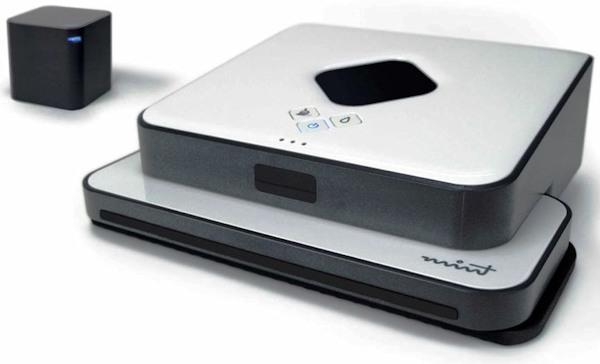 """Робот-полотер """"SITITEK Mint 5200"""" укомплектован кубом-навигатором, который управляет процессом уборки"""
