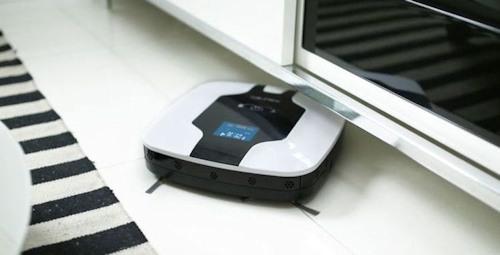 """Робот-пылесос """"SITITEK S600"""" легко проникает под диваны, кровати и прочую мебель"""