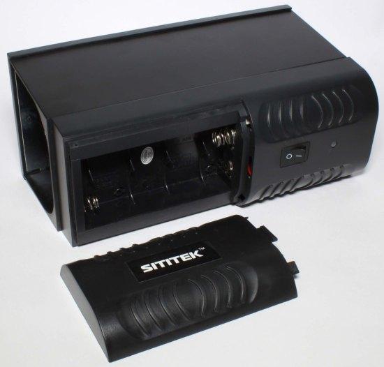 Отсек для батарей на верхней части корпуса уничтожителя SITITEK Antirats