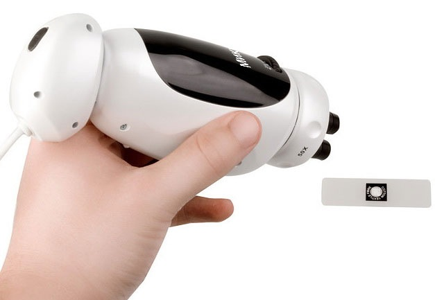 Оптический блок микроскопа снимается, что облегчает изучение нестандартных объектов