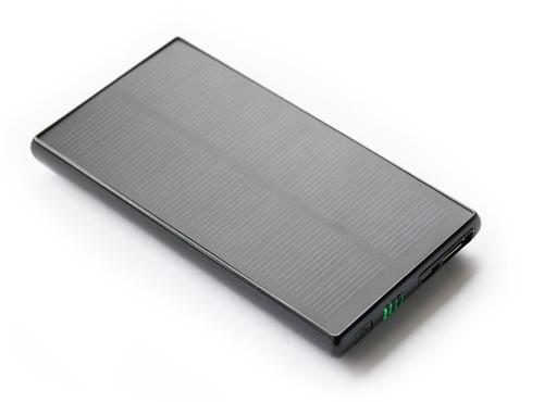 """Система автономного питания на солнечной батарее """"SITITEK Sun-Battery SC-09"""" оснащена монокристаллическими солнечными панелями и емкой аккумуляторной батареей (кликните для увеличения)"""