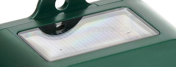 Солнечная батарея на верхней части корпуса отпугивателя Weitech 0053
