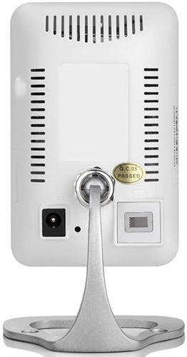 """На задней панели IP-камеры """"Zmodo iXD1D-WAC"""" расположен разъем для подключения питания (кликните по фото для увеличения)"""