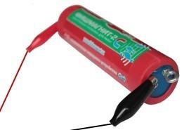 """Для подзарядки электронной приманки """"Фишмагнит-2"""" для ночной рыбалки используется адаптер сети 220 В и разноцветные """"крокодилы"""" (идут в комплекте поставки)"""