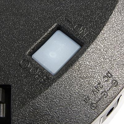 "На нижней стороне  ""Robo-sos X500"" ""спрятана"" кнопка включения питания"