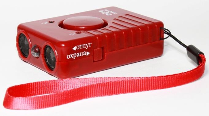 """Шнурок, которым комплектуется ультразвуковой отпугиватель """"SITITEK ГРОМ-250М"""", обеспечивает удобную переноску"""