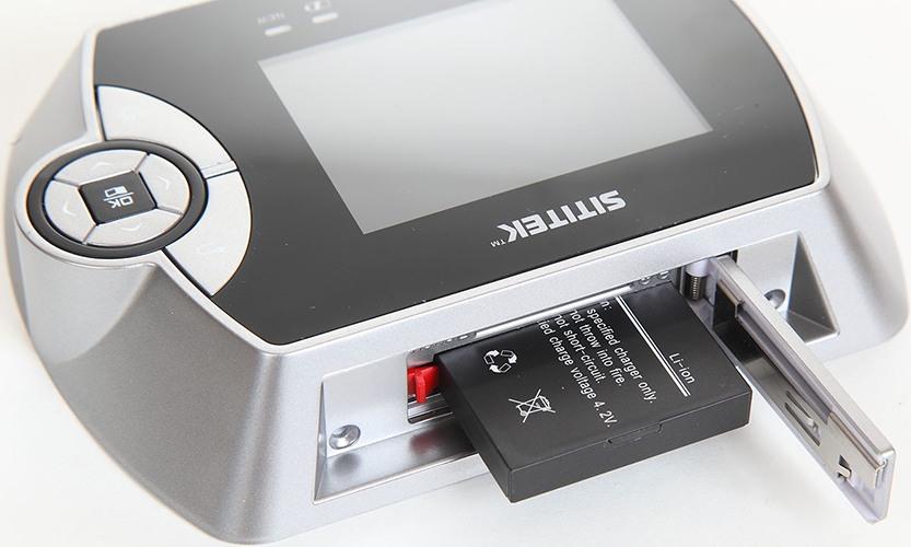 """Важным достоинством видеоглазка SITITEK """"PentaLux"""" является использование мощного аккумулятора на 1800 мА/ч, который обеспечивает автономную работу внутреннего блока на протяжении 1000 часов в режиме ожидания (нажмите для приближения)"""