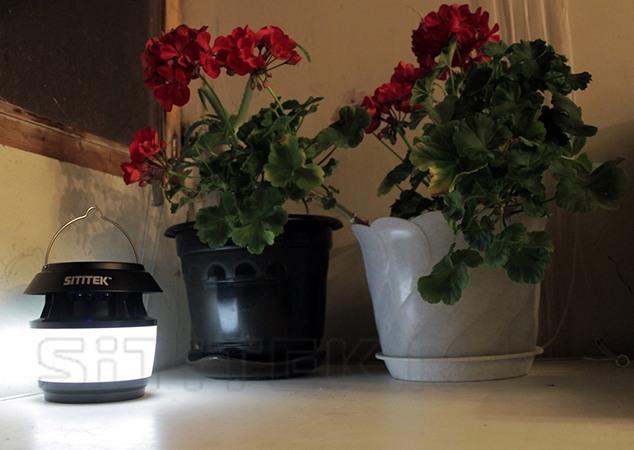 """""""SITITEK Садовый-М"""" можно использовать не только как уничтожитель, но и как подвесной светильник, настольную лампу или садовый фонарь"""