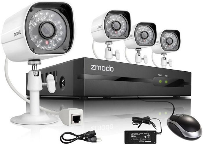 """К видеокомплекту """"Zmodo PoE 2"""" прилагается мышь, адаптер питания и все прочие аксессуары, необходимые для работы (нажмите на изображение, чтобы увеличить)"""