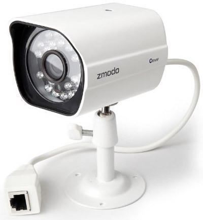 """Камеры из видеокомплекта """"Zmodo PoE 2"""" соединяются с регистратором посредством сетевого кабеля через разъем RJ45, что обеспечивает высокую надежность связи"""